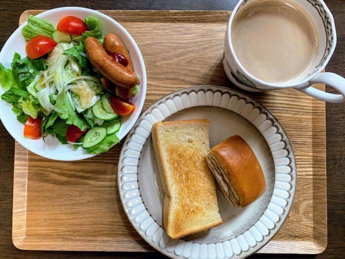 トーストの朝食と献立